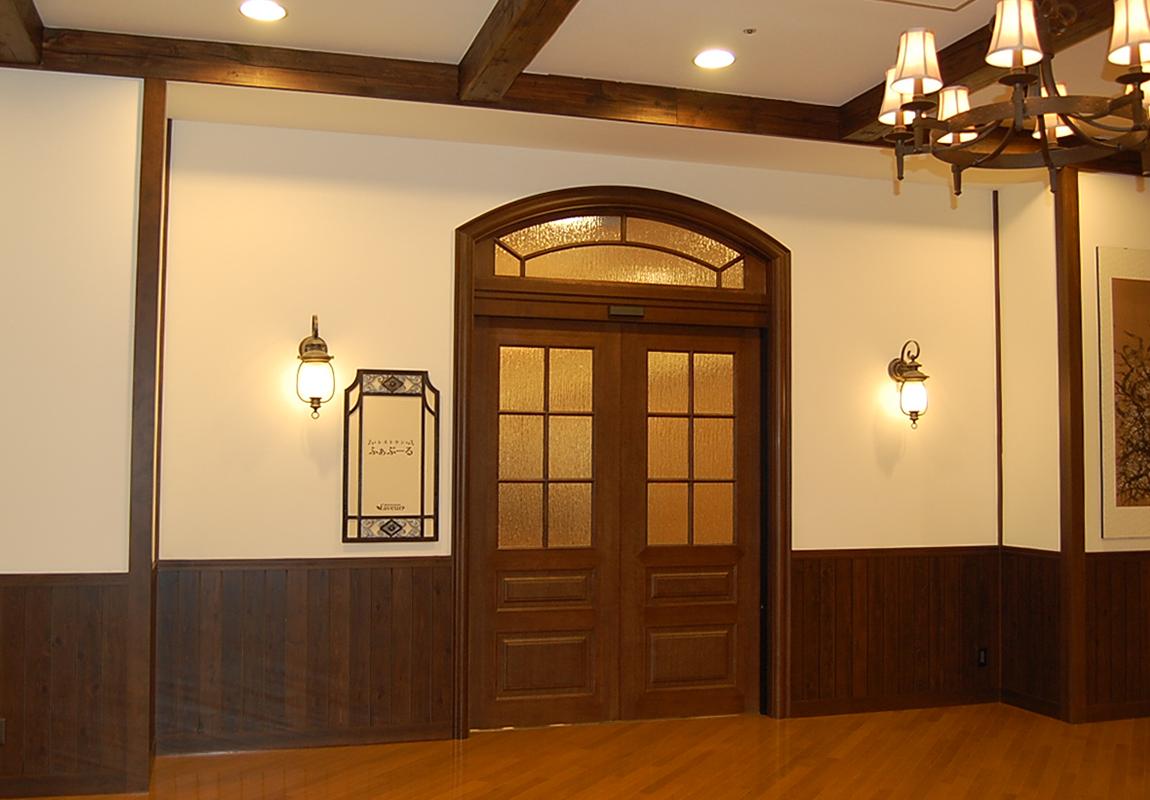 メリィハウスのレストラン入口。