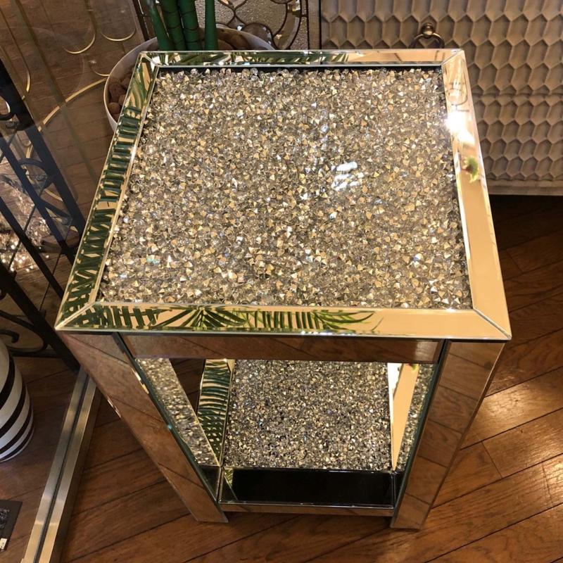 ミラー家具の飾り台
